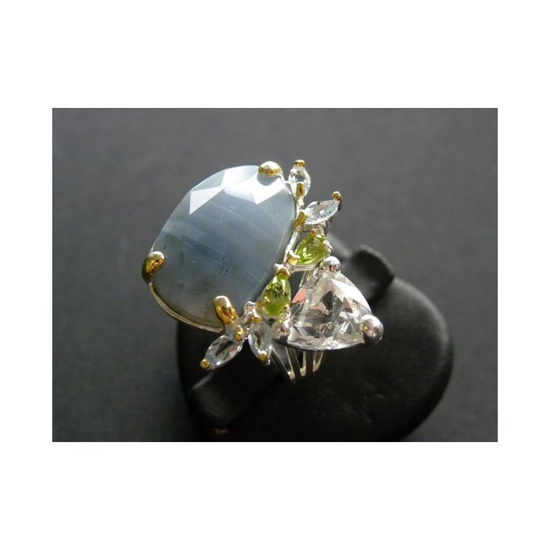 Bague en opale Owyhee argenté et doré avec topaze et péridots