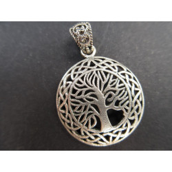 Pendentif arbre de vie de forme celtique
