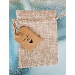 Pochette cadeau en lin naturel