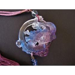 Amulette dragon de la chance mauve